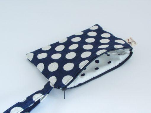 Polka dot Makeup Purse / Kozmetična torbica s pikami