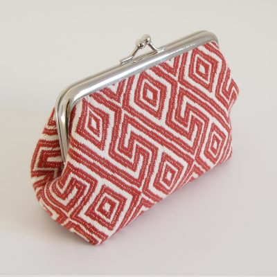 Rdeče bela torbica z okvirčkom / Red and white kisslock purse