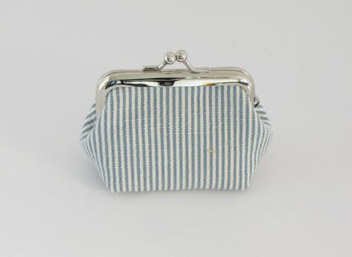 Drobižnica z drobnimi črtami / Coin purse with thin stripes