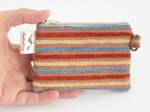 črtasta drobižnica / Coin purse with stripes