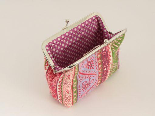 Pisana torbica z okvirčkom / Small Kisslock purse