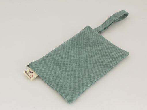 zelena kozmetična torbica / Green makeup purse
