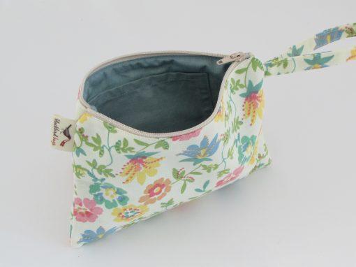 Kozmetična torbica z rožami / Floral Makeup Purse