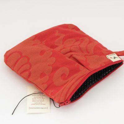 Rdeča kozmetična torbica / Red Makeup Purse