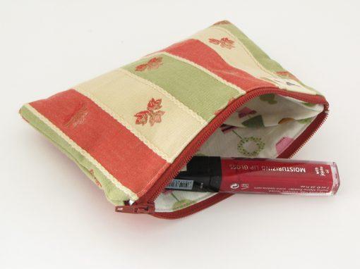 mala unikatna torbica / unique makeup purse