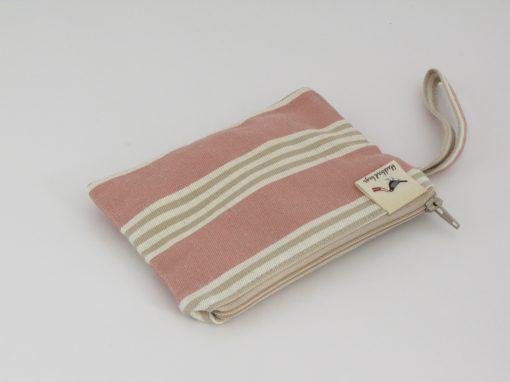 Mala kozmetična torbica / Little makeup purse