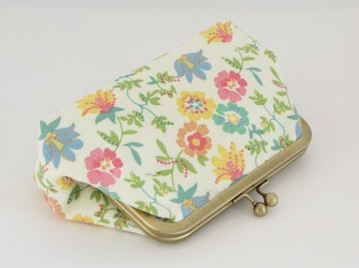 Torbica z okvirčkom rože / Floral Kisslock purse